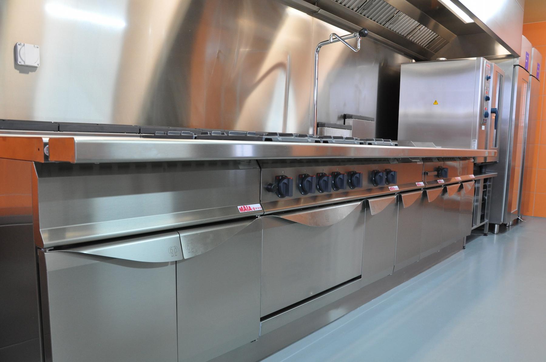 Installation Cuisine Dom des Röthis | Meinen Cuisines Professionnelles SA, Genève